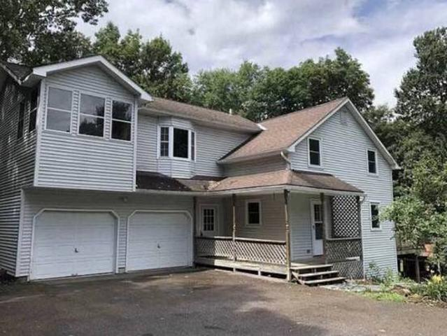 Room For Rent In Beautiful Home Milton