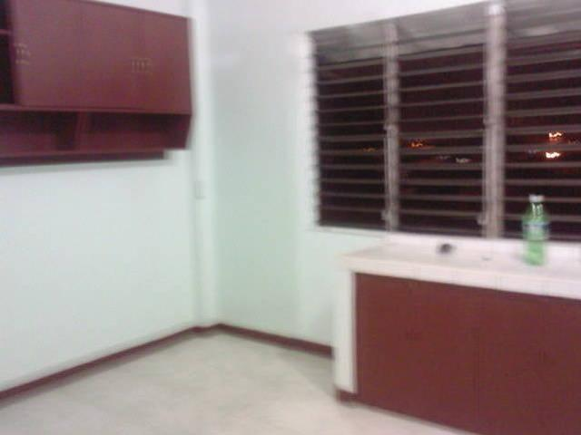Room For Rent In Makati