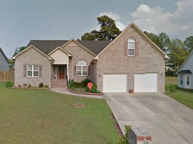 Roommate Wanted For Home In Country Club Hills Fayetteville