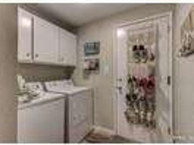 Roommate Wanted To Share 3 Bedroom 2.5 Bathroom House.