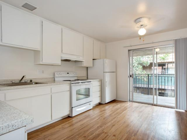 Rosewood Apartments 1 Bedroom Apartment For Rent At 555 Rosewood Ave, Camarillo, Ca 93010