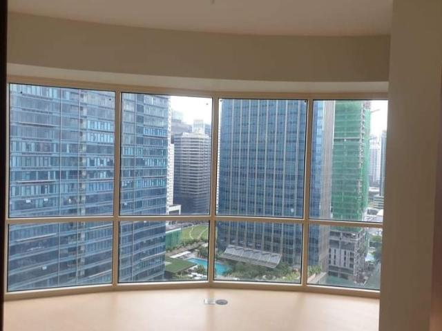 Rush Resale 2 Bedroom Condo At Central Park West With Parking