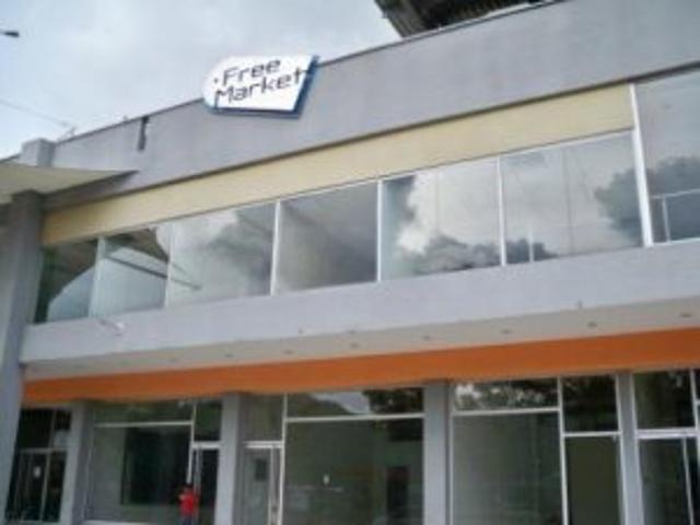Se Alquila Local En Cc Free Market Naguanagua Carabobo Ihd