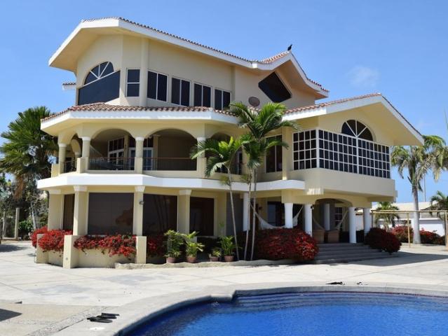 Se Alquila Villa Frente Al Mar En Salinas
