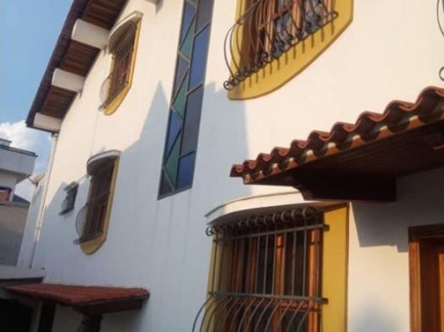 Se Vende Casa 572m2 5h/6b/6p Clnas De Vista Alegre 2860