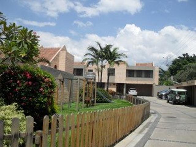 Se Vende Espectacular Town House En Naguanagua Por Rent A House