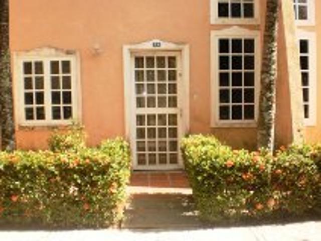 Se Vende Town House En Rio Chico Con Piscina Y Jacuzzi