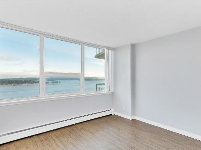 Seacrest Apartments 2 Bedroom Apartment For Rent At 1 Chapel St, Nanaimo, Bc V9r 5h1 Downt...