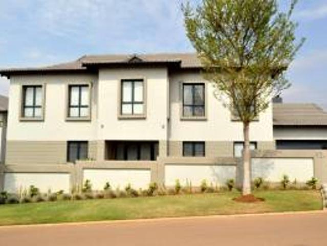 Sectional Title: 3.0 Bedroom Sectional Title For Sale In Country View Estate.