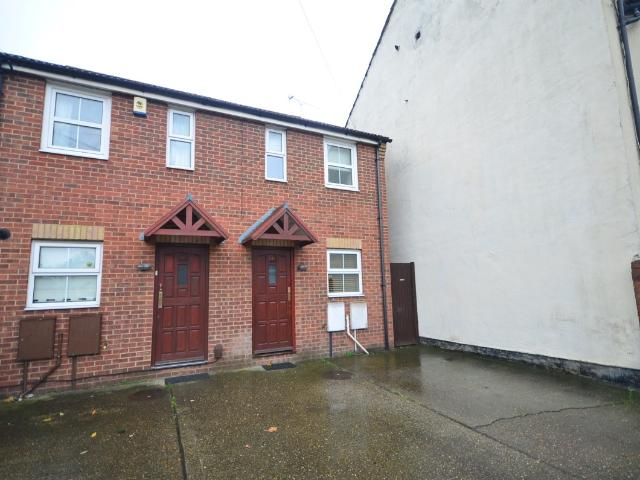 Semi 2 Bedroom House To Rent In King William Road Gillingham Me7 On Boomin