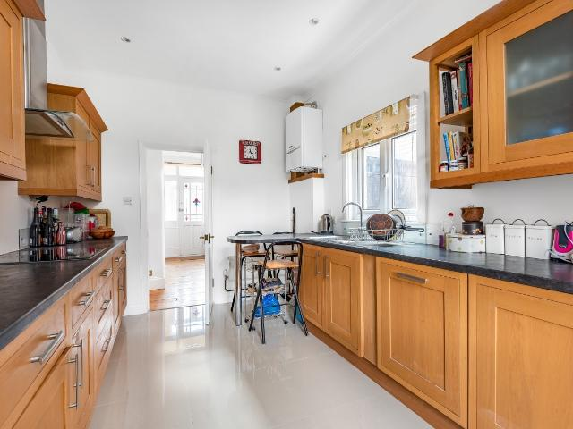Semi 3 Bedroom House For Sale In Newquay Road London Se6 On Boomin