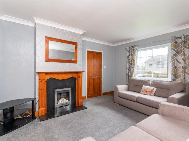 Semi Detached 2 Bedroom House For Sale In Shaw Royd, Yeadon