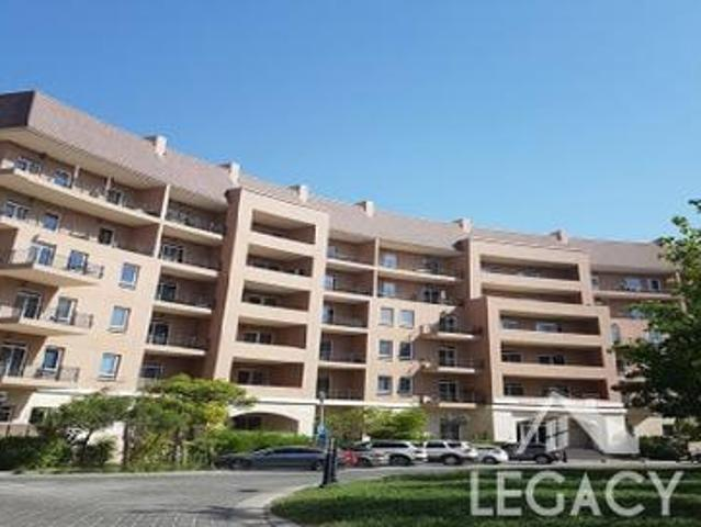 Large Studio With Balcony |swimming Pool View