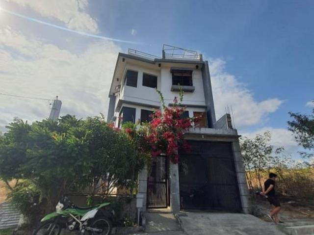 Single Attached 3 Storey House And Lot With Viewing [4th Floor ] With Magnificent View Of ...