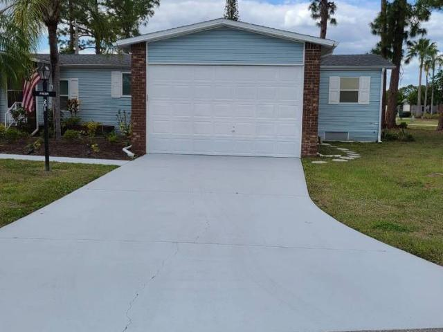 Single Family Detached, Mobile Home North Fort Myers, Fl
