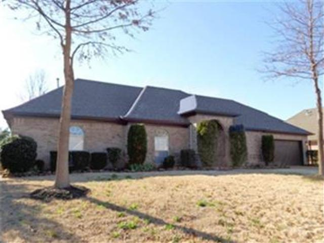 Single Family Home 3beds And 2baths