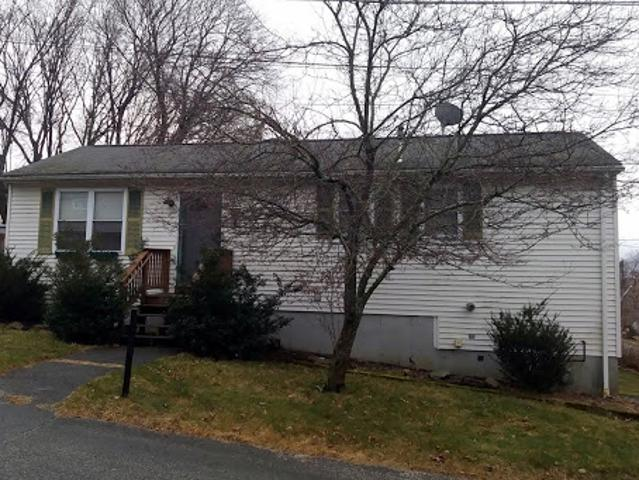 Single Family Home In Cumberland From Hud Foreclosed
