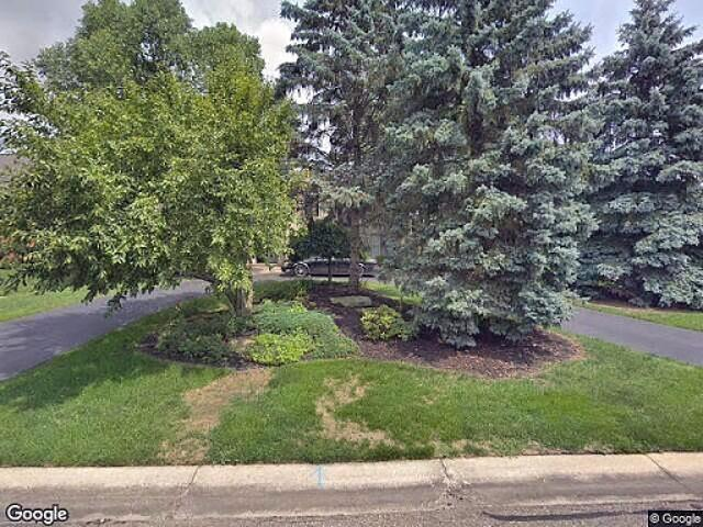 Single Family Home In West Bloomfield