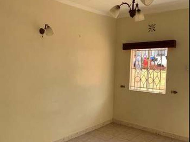 Single Room With A Toilet At Eastleigh