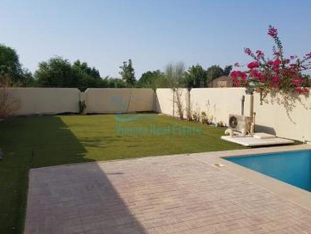Single Row 5 Bed Villa With Pool And Garden