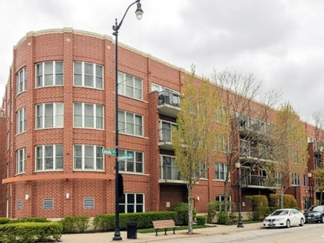 Skokie Two Br Two Ba, This Home Shows Like A Model!