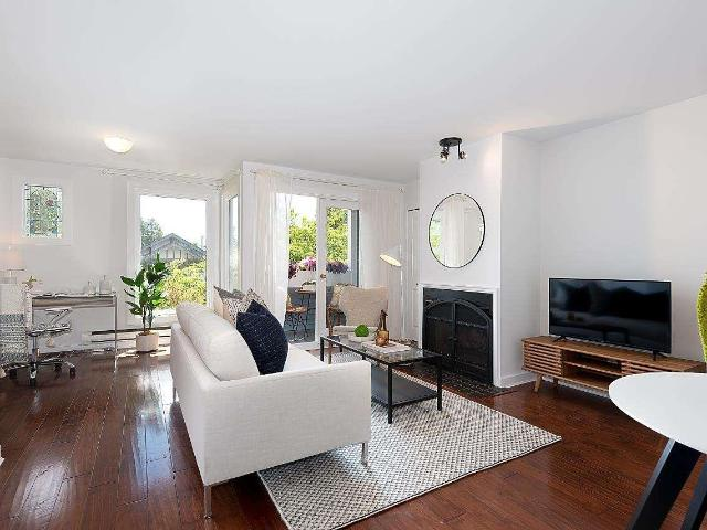 Snap Up This 2 Br 2 Bath Single Family Townhouse In Vancouver