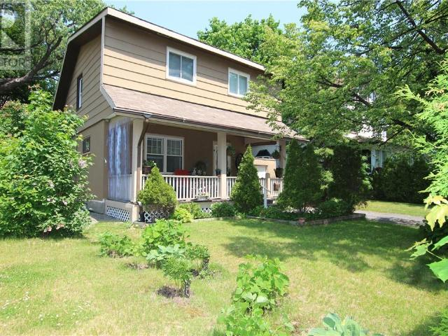Snap Up This 3 Br 2 Bath Single Family House In Sudbury