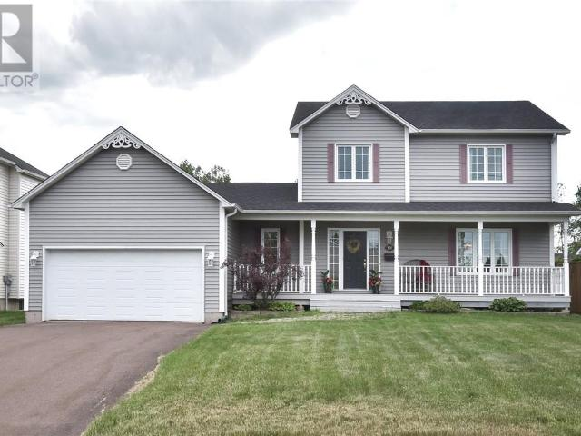 Snap Up This 3 Br 4 Bath Single Family House In Moncton