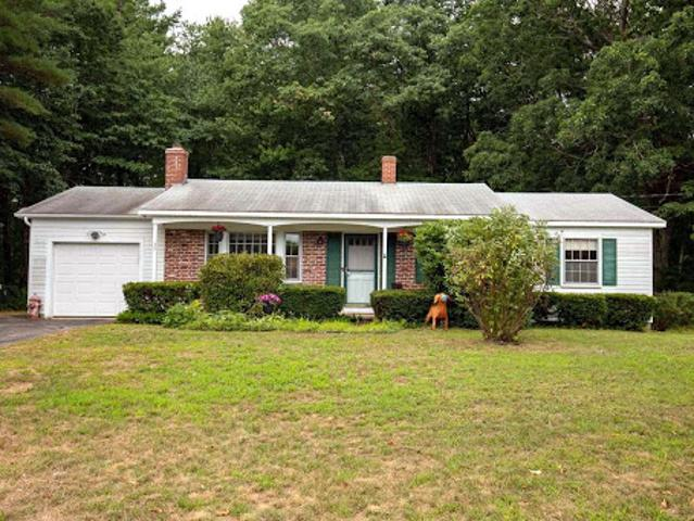 Somersworth Three Br 1.5 Ba, Welcome Home To This Well Kept Ranc