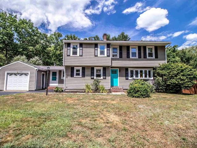 Somersworth, Welcome Home To This Spacious 4 + Bedroom