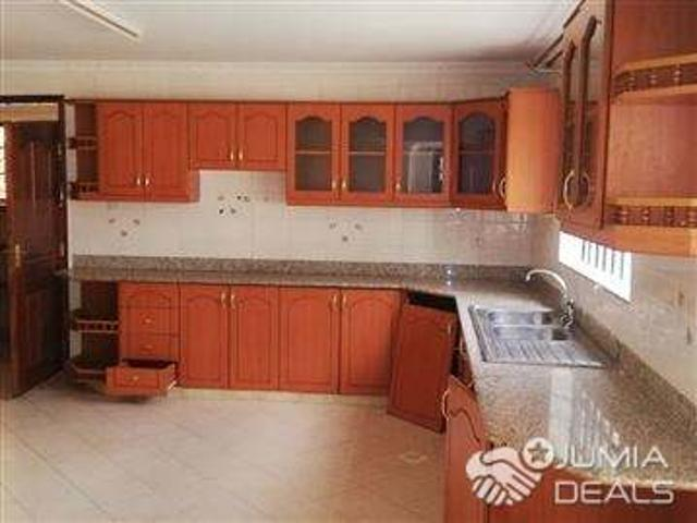 South B Spacious Ornate 2 Bedroom House Ready To Let