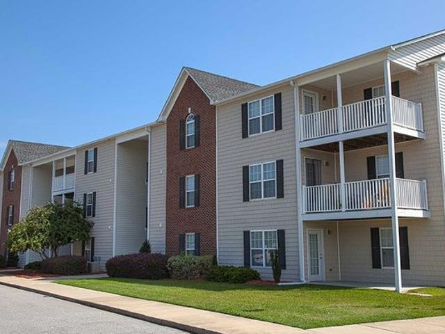 South Main Apartments 4003 William Bill Luther Dr, Hope Mills, Nc 28348