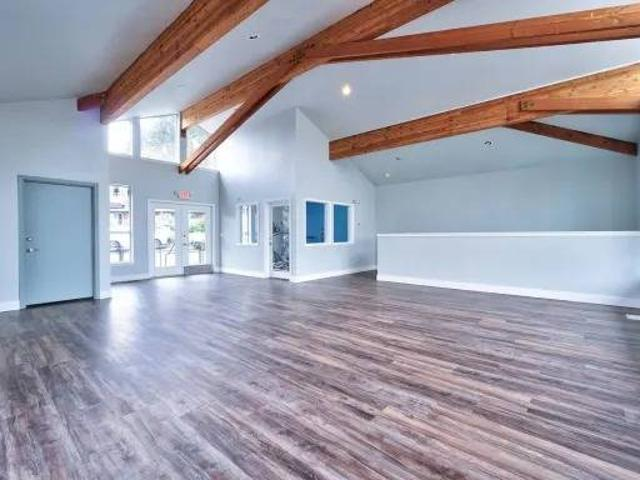 Spacious 1 Bedroom With Patio Move In This Month 900 Northeast Minnehaha Street, Vancouver...