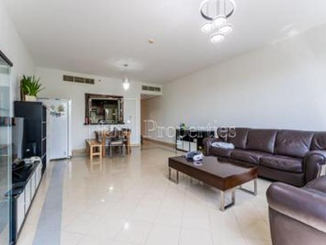 Spacious 2br large Balcony splended Green Views