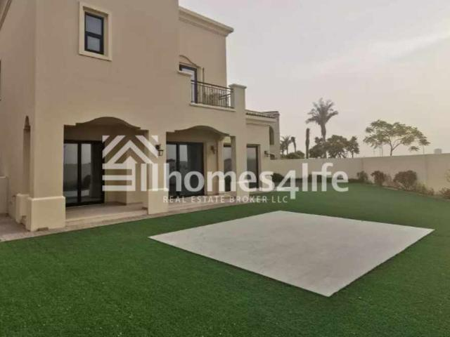 Spacious   5 Bedroom   Vacant   Family Area
