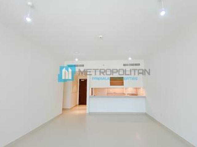 Spacious And Bright   Pristine Condition   Rented