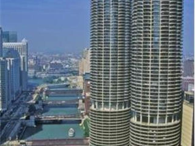 Spacious Condo In The Heart Of River North