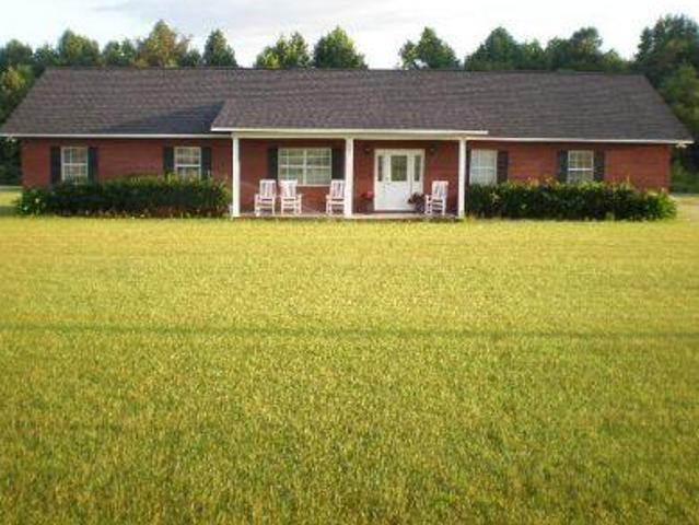 Spacious Country Style Home On 6.35 Acres