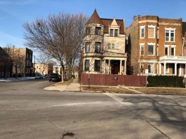 Spacious, Glorious Historic Home With Rooms For Rent. Bronzeville