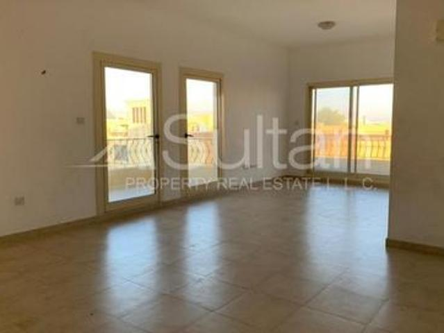 Spacious Golf 1br For At A Great Location