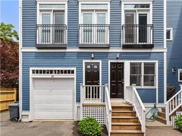 Spectacular 3br/3ba With Over 1600 Square Feet Of
