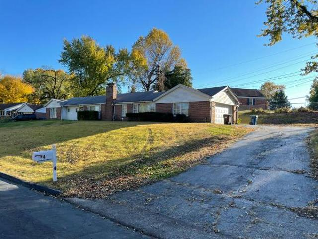Stately Brick Ranch With 3 Beds 2 Baths Ferguson