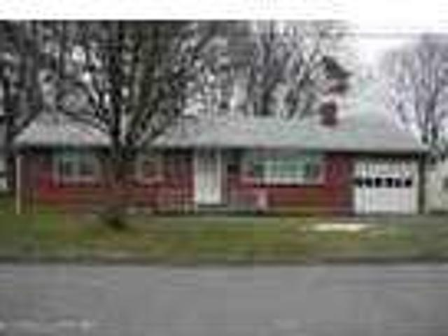 Stroudsburg Two Br Ranch Rental W Large Yard Amp Garage Mls 12 10367