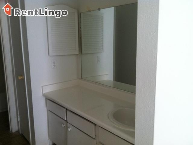 Studio Apartment 10110 Sepulveda Blvd