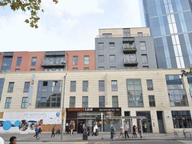 Studio Flat To Rent In Flat, Central Quay North, Broad Quay, Bristol On Boomin