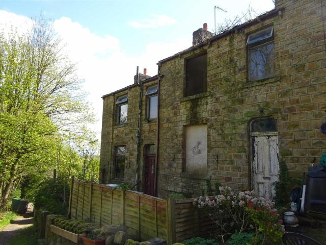 Studio House For Sale In Hand Bank Lane, Mirfield On Boomin