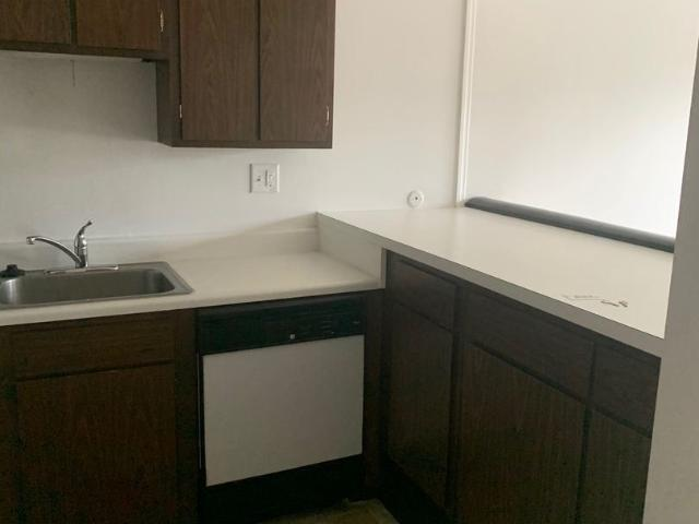 Studio W 1 Bedroom Apartment For Rent At 4500 Wilmington Pike, Kettering, Oh 45440