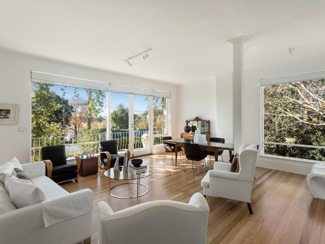 Studley Park Hill Penthouse Luxury With Panoramic Views Over 200sqm