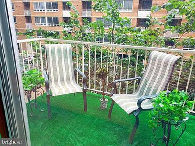 Stylish Lovely 1full Furnished Bedroom Condo With
