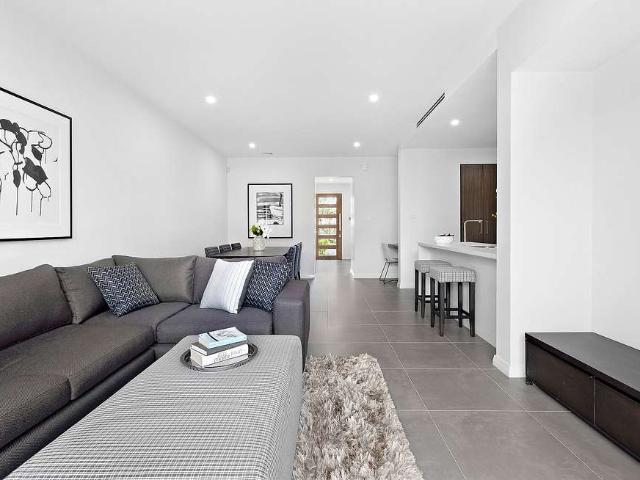 Stylish, Modern And Low Maintenance Lifestyle Open To View Saturday 10:30am 11am